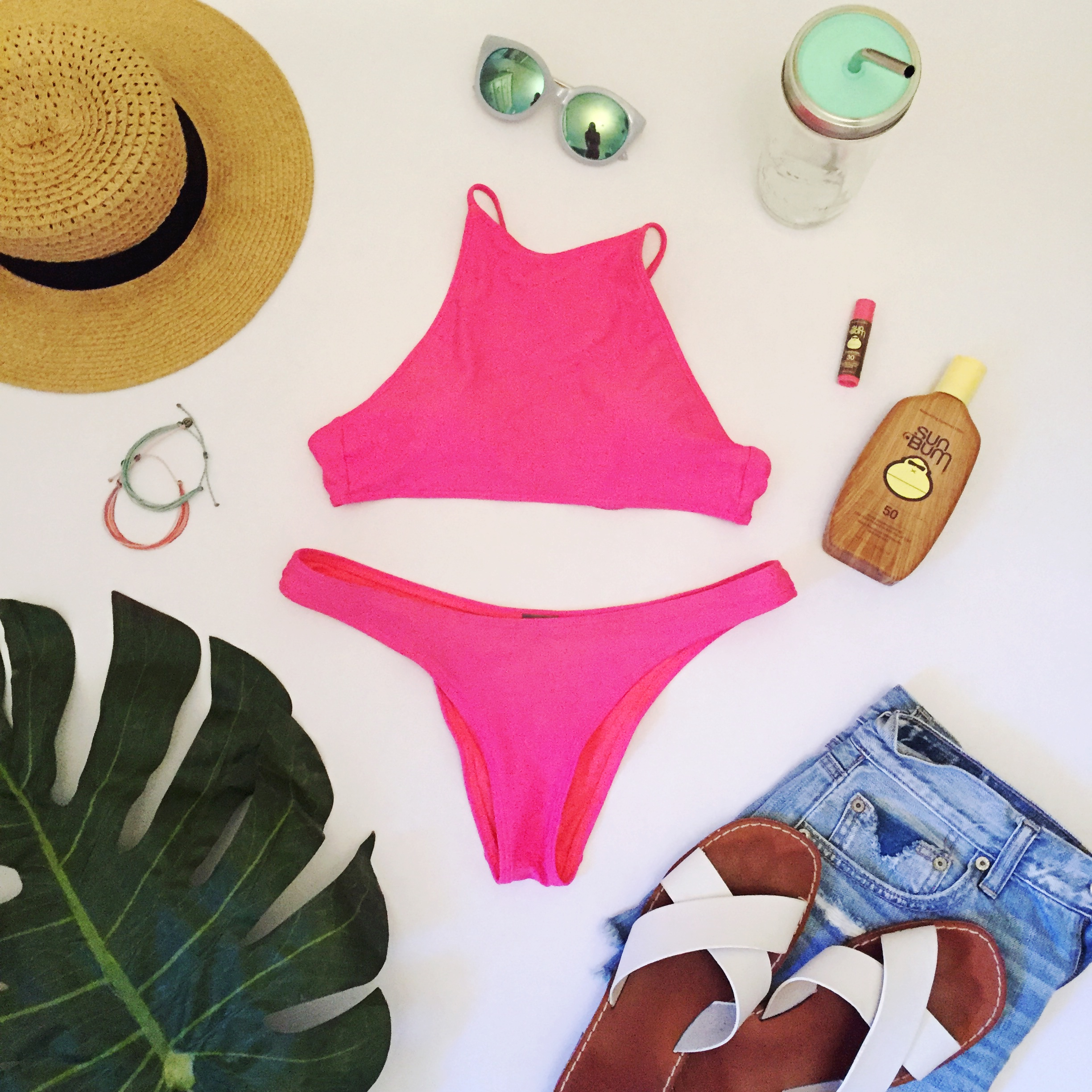 7 Items to Pack In Your Summer Beach Bag