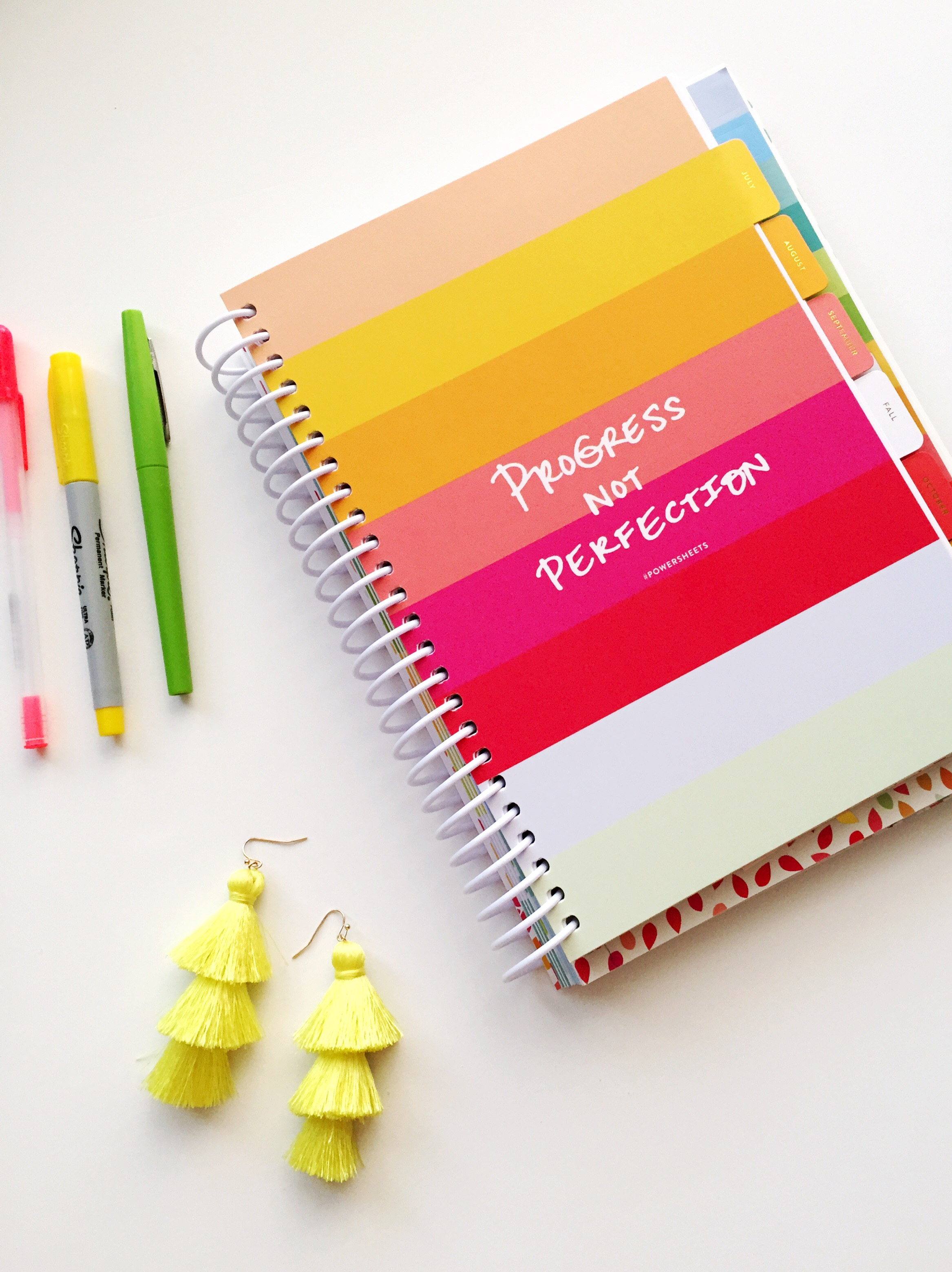 How to Plan Goals / How to Set Goals and Achieve Them / Goal Setting / Powersheets 2019 Intentional Goal Planner / Lara Casey Powersheets / See my 2019 Goals on Sunshine Style, www.sunshinestyleblog.com