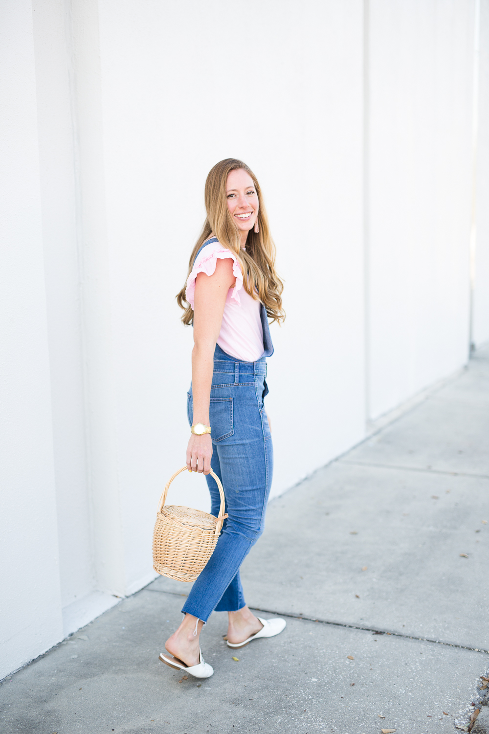 7764935467b7 5 Way to Style Overalls in the Spring - fashion blogger wearing Madewell  overalls ...