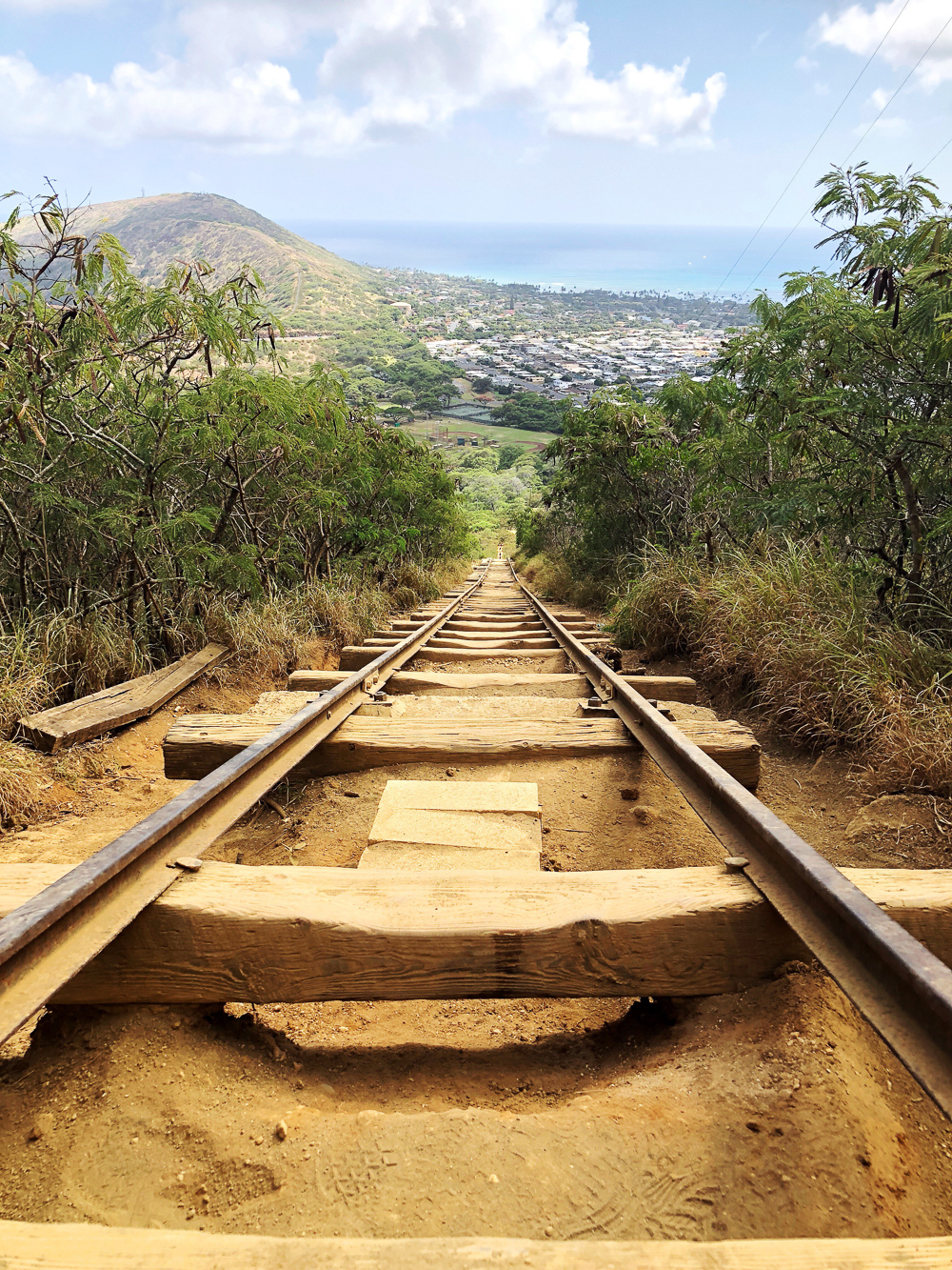 The Ultimate Oahu Travel Guide for the Adventurer - Koko Crater Railway | Sunshine Style