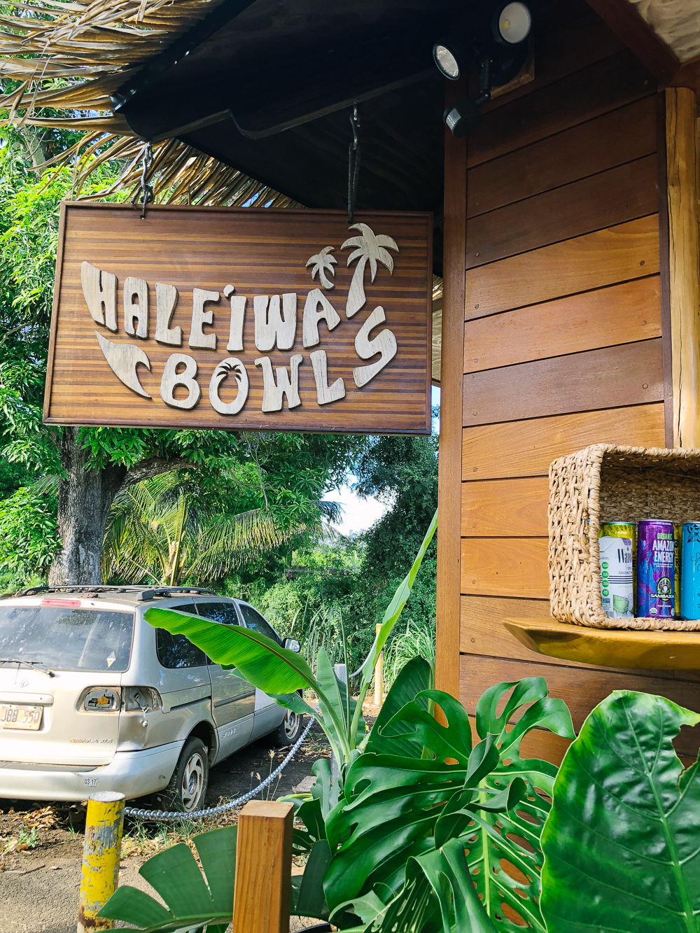 The Ultimate Oahu Travel Guide for the Adventurer - Haleiwa Bowls, Acai Bowls, North Shore Oahu | Sunshine Style