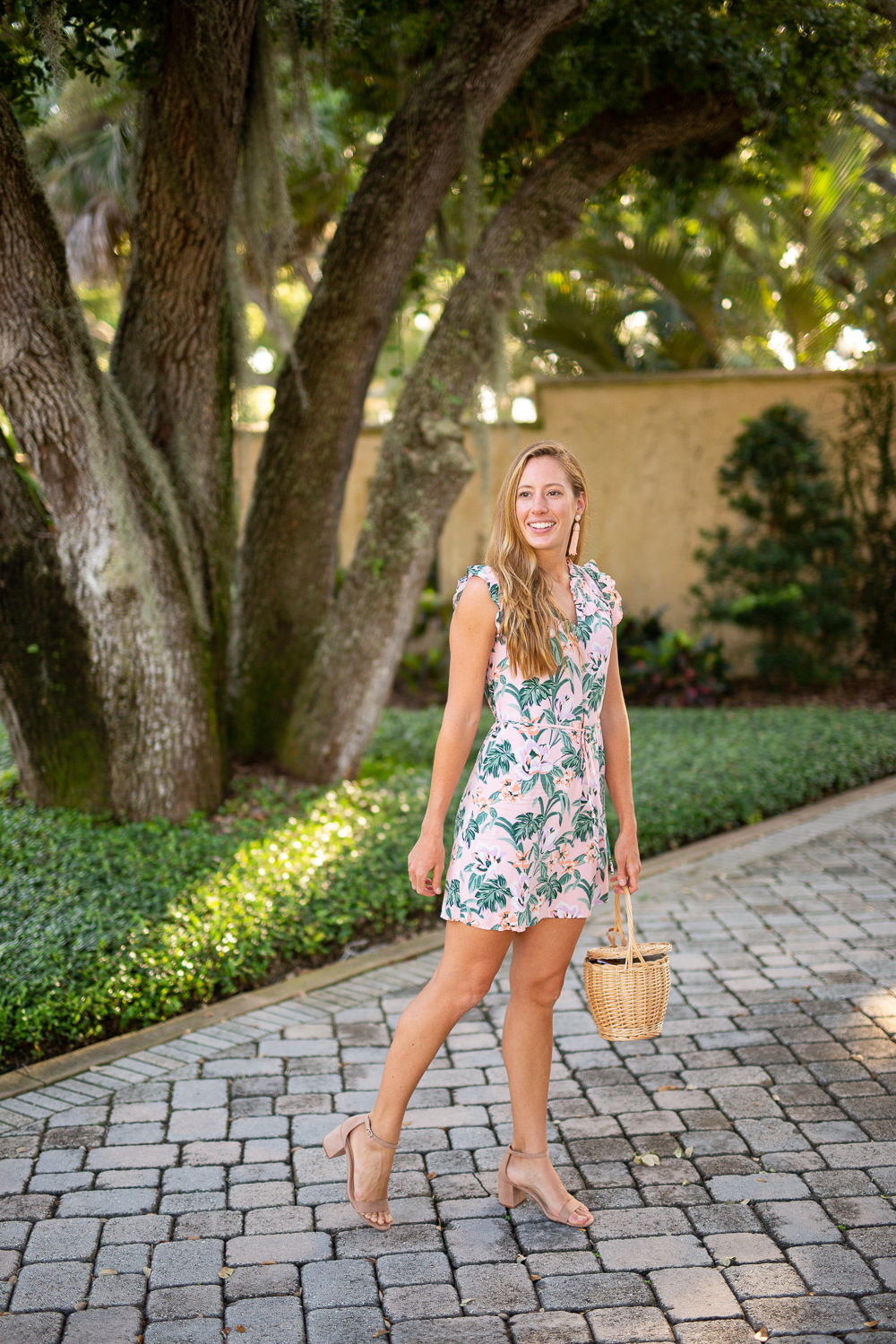 LOFT Floral Dresses to Wear to a Wedding | Sunshine Style