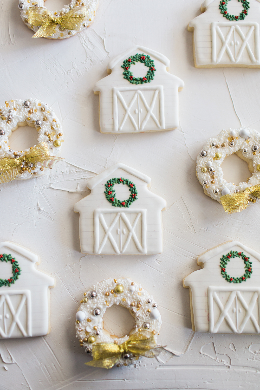 How to Make a Christmas Wreath | Space Coast Florida Sterling Stables | Winter Outfit Inspiration | Central Florida Blogger Meetup | Pink Confections Cookies | Christmas Sugar Cookies