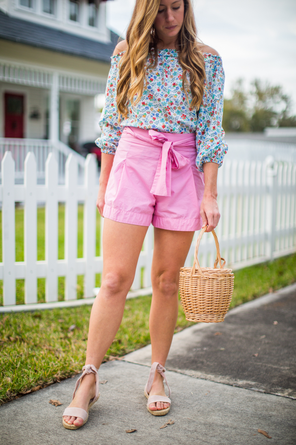 The Cutest Bow Shorts for Spring / An Easy Easter Outfit / Florals for Spring / Spring Outfit Inspiration / J.Crew Floral Top / J.Crew Pink Tie Bow Shorts / Basket Bag - Sunshine Style