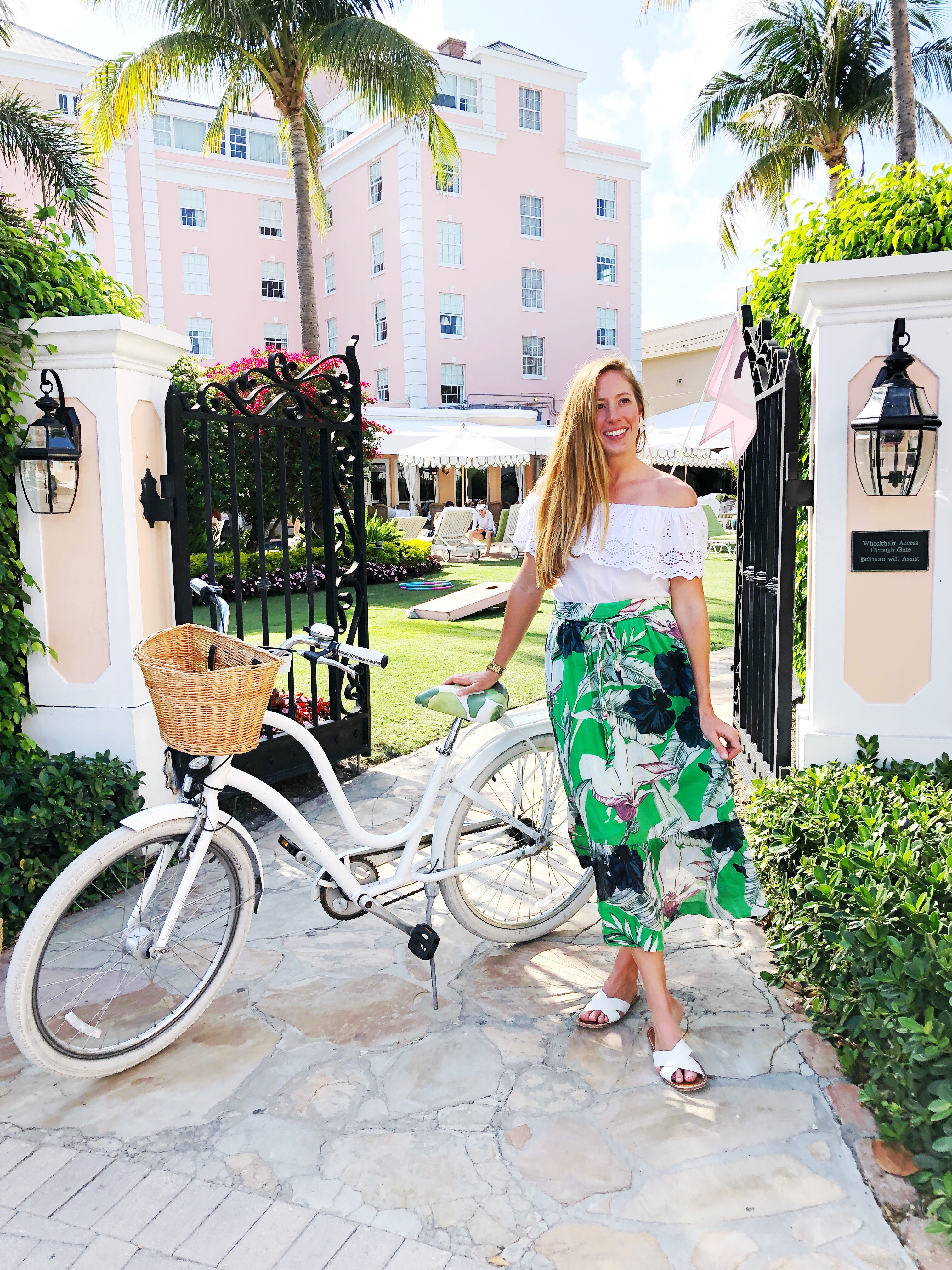 A Tropical Outfit for Palm Beach, Florida / What to Wear on a Beach Vacation / What to Wear in Palm Beach / How to Wear a Maxi Skirt / The Colony Hotel Palm Beach - Sunshine Style