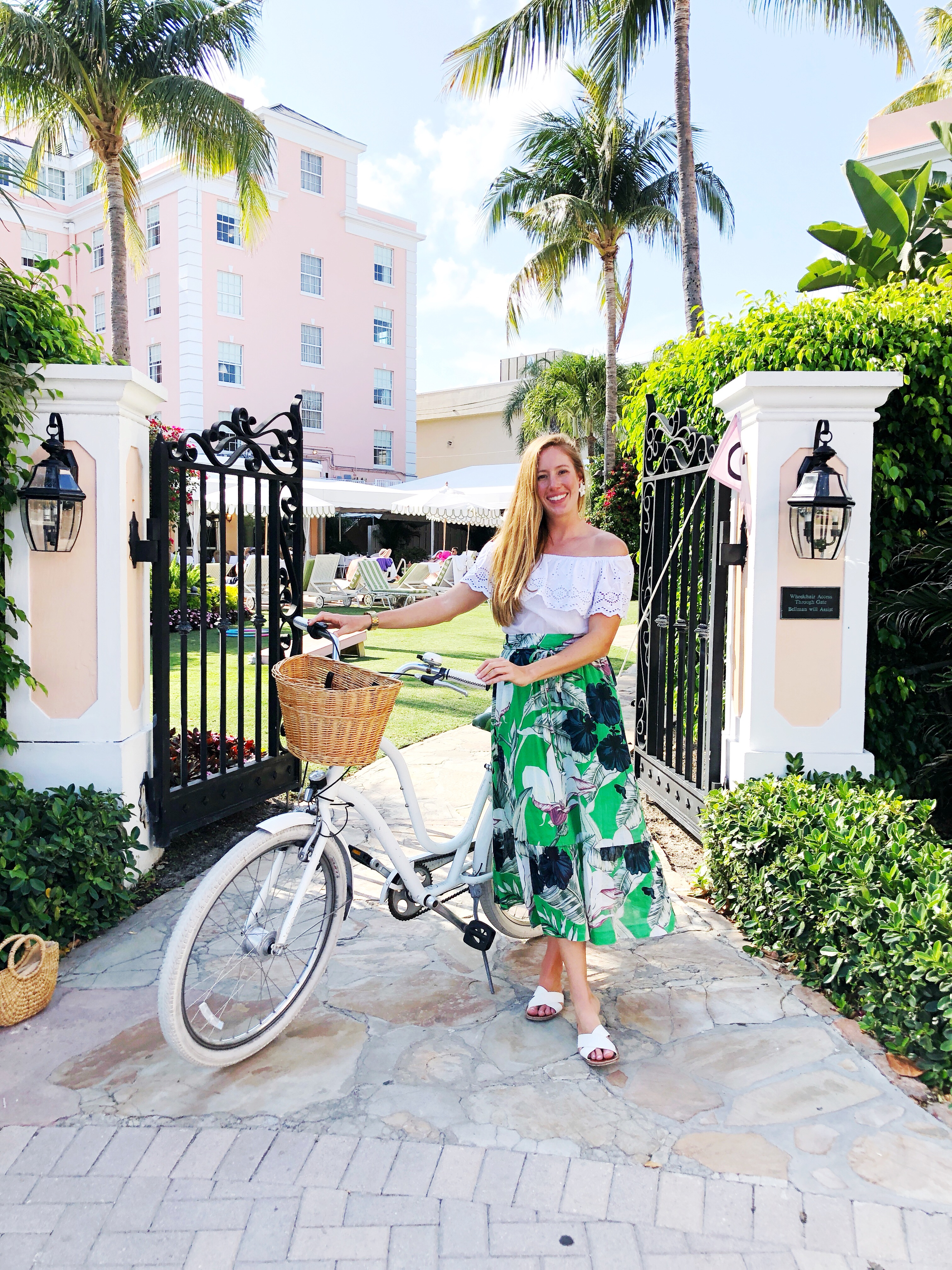 The Colony Hotel, Palm Beach, Florida / A Tropical Outfit for Palm Beach, Florida / What to Wear on a Beach Vacation / What to Wear in Palm Beach / How to Wear a Maxi Skirt / The Colony Hotel Palm Beach - Sunshine Style