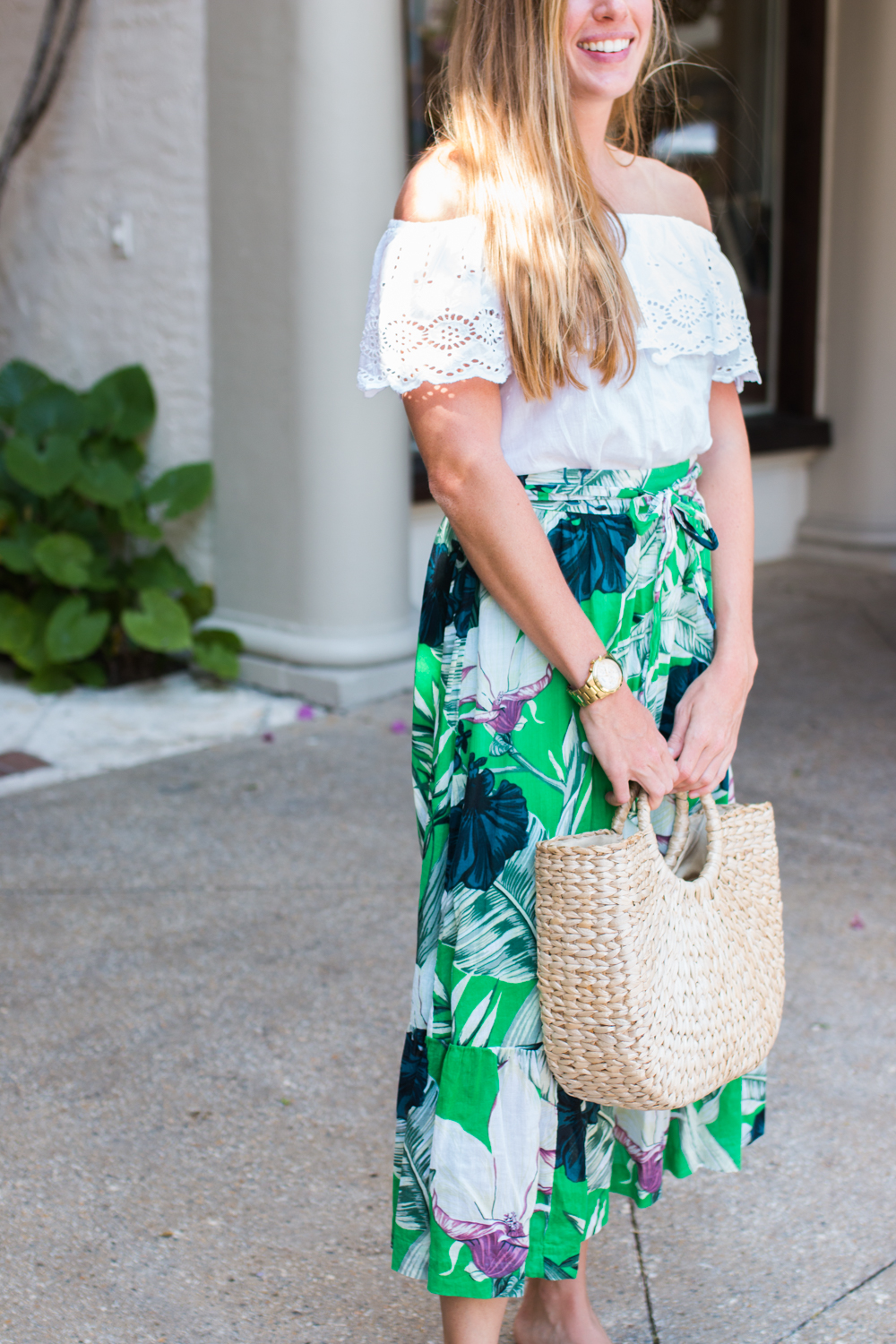 A Tropical Outfit for Palm Beach, Florida / What to Wear on a Beach Vacation / What to Wear in Palm Beach / How to Wear a Maxi Skirt / Florida Fashion Blogger - Sunshine Style