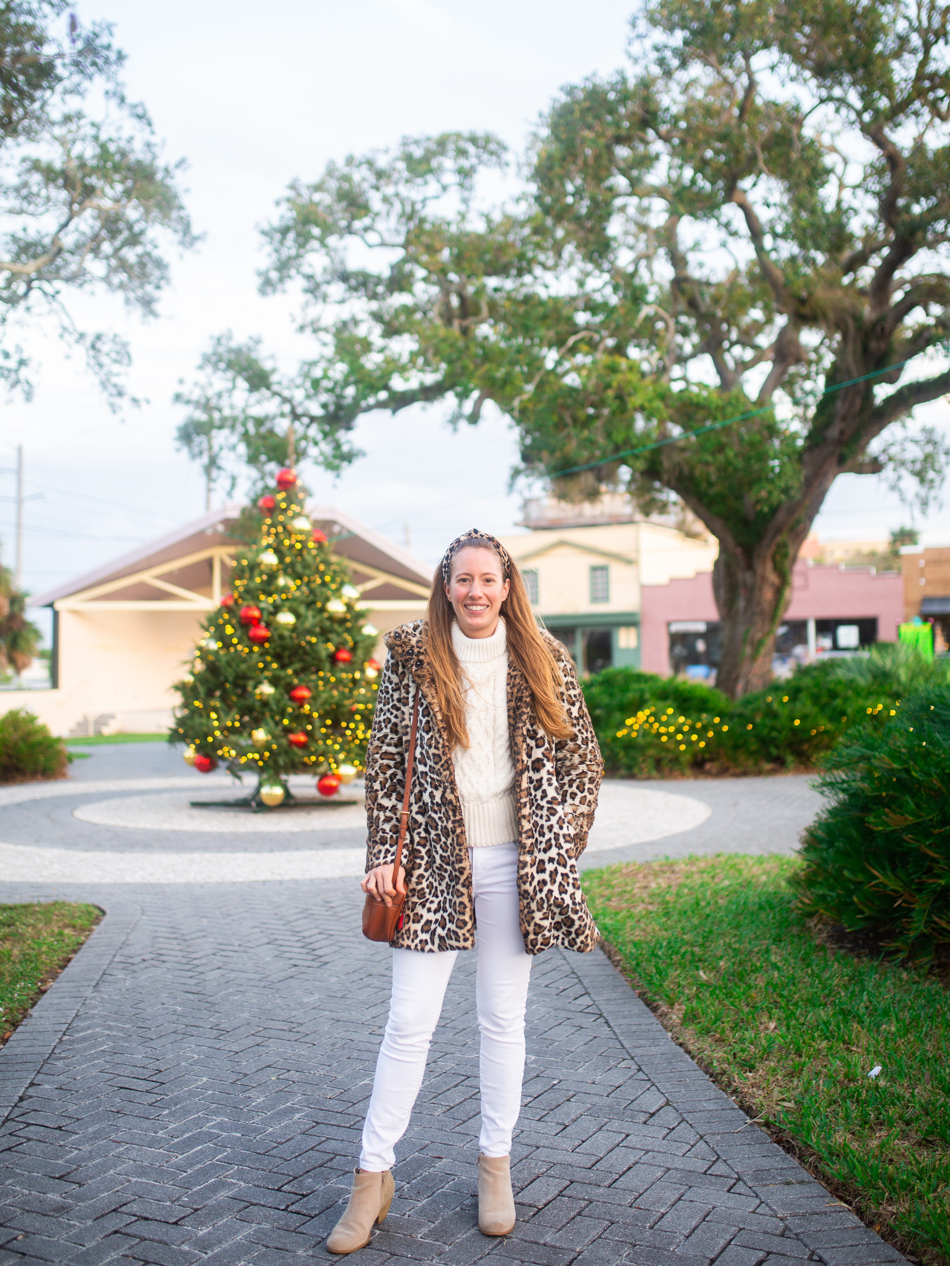 LOFT Faux-Leopard Coat for Winter / How to Style a Leopard Coat / How to Style a Winter Coat / How to Wear a Winter Jacket / Winter Outfit Inspiration - Sunshine Style