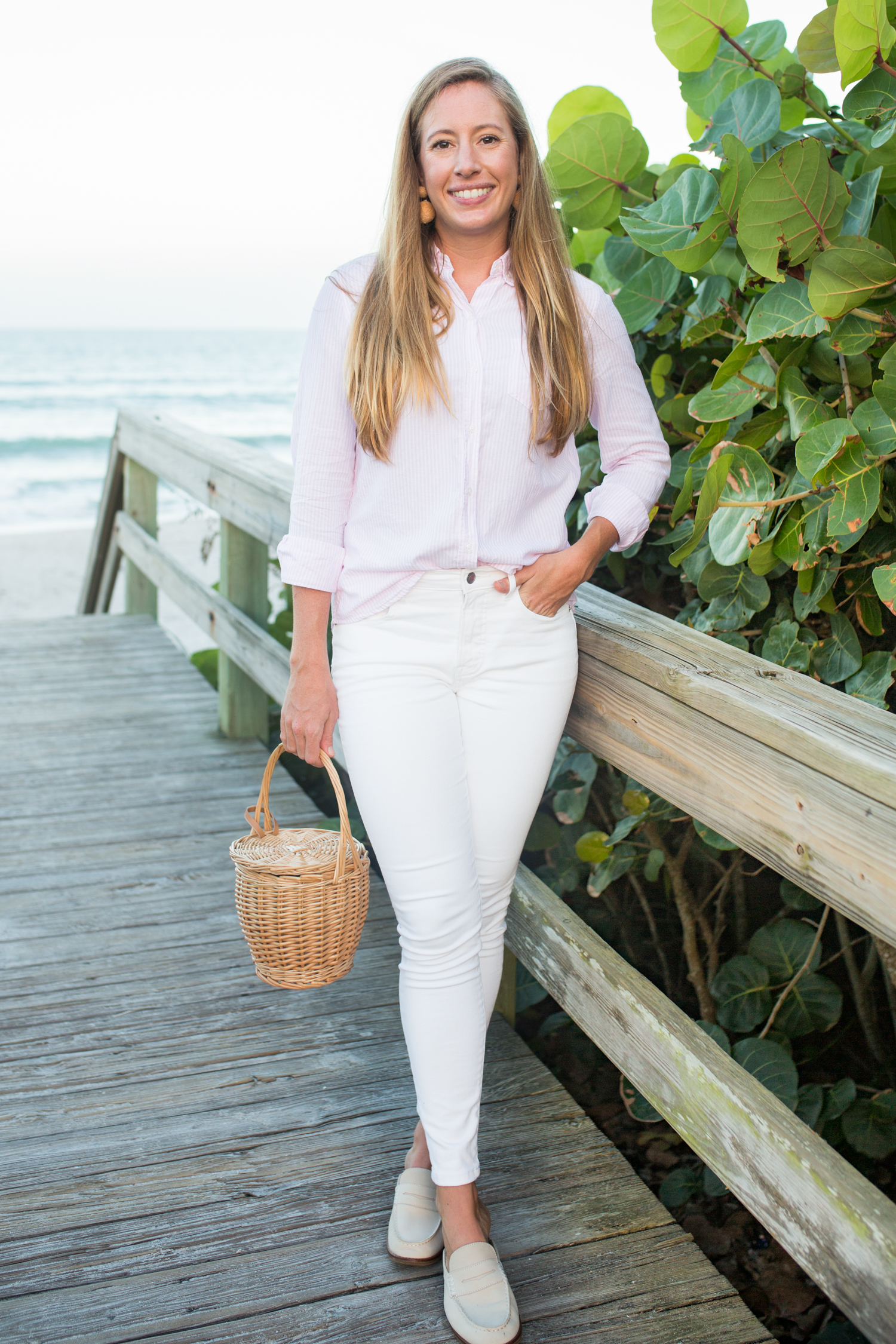 How to Dress Preppy on a Budget / Preppy Women's Outfits / Spring Outfits Preppy / Preppy Outfits Summer / Preppy Essentials / Striped Button Up Oxford / Where to Buy Preppy Clothes / Second Hand Preppy Clothes -Sunshine Style, A Florida Fashion and Lifestyle Blog