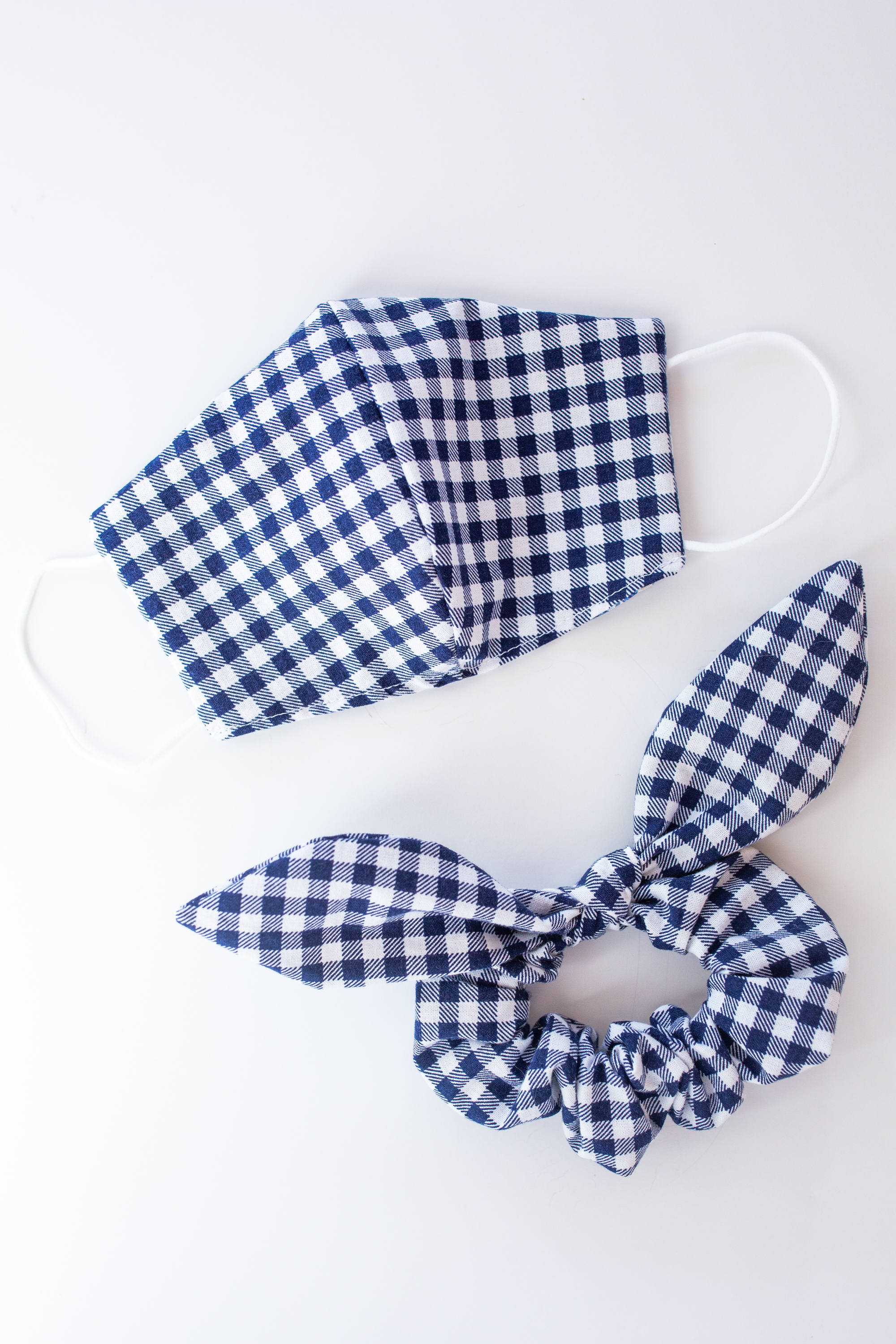 Matching Gingham Scrunchie and Face Mask Set / Face Mask for Fall / Preppy Style / Preppy Outfit / Gingham Print / Bow Scrunchie - Sunshine Style