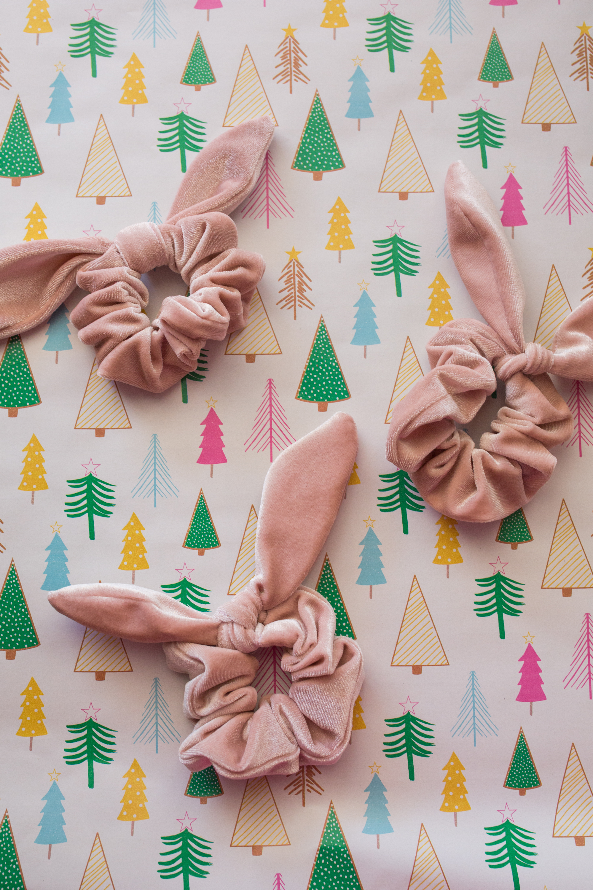 Women Hair Accessory / Hair Accessories / Bows / Bow Hair Scrunchie / Preppy Outfit / Preppy Style - Sunshine Style, A Florida Fashion and Lifestyle Blog
